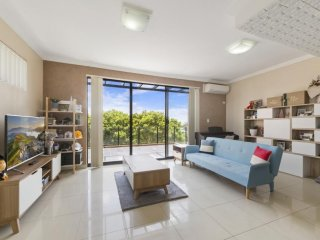 View profile: The Spacious Modern Apartment Close to the Beach